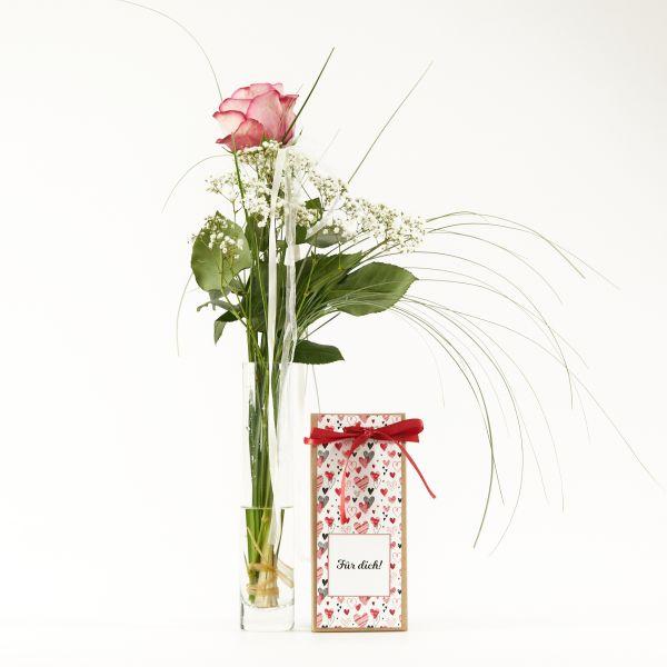 """Blumengruß """"Roséfarbene Rose"""" mit handgeschöpfter Schokolade """"Für Dich"""""""