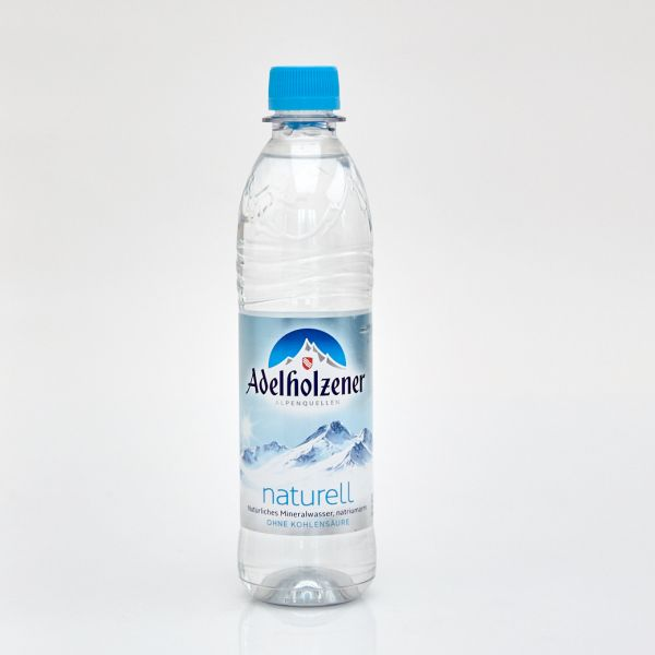 Adelholzener Mineralwasser naturell (0,5 l PET)